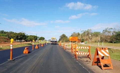 ERS-342 que liga municípios como Cruz Alta  Santa Rosa e Três Passos, começa a receber capa asfáltica