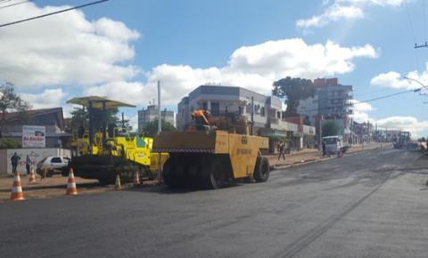 Trânsito está interrompido na Av. Santos Dumont devido às obras