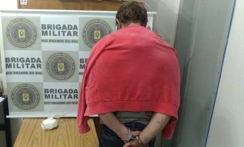 Brigada Militar prende homem por tráfico de drogas, em Três Passos