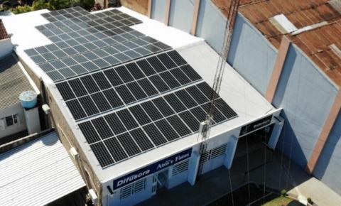 Rádio Difusora é pioneira em geração de energia solar