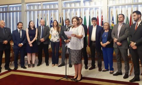 Com 22 assinaturas, Frente Parlamentar é lançada na Assembleia com promessa de ação judicial