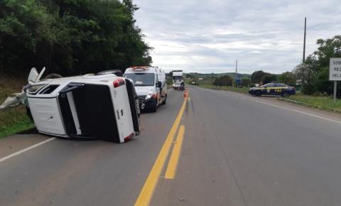 Colisão entre carros deixa oito feridos na BR-386