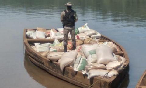 Órgãos fiscais e de segurança apreendem cargas ilegais de soja no rio Uruguai
