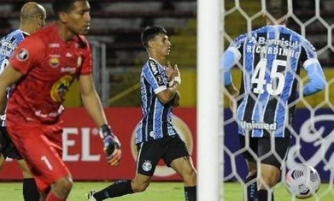 Com reservas, Grêmio vira sobre o Ayacucho e avança à terceira fase da Libertadores