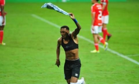 Grêmio vence o Gre-Nal e assume a liderança do Gauchão