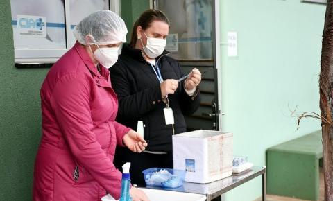 957 doses de vacinas contra a Covid-19 são aplicadas em três dias de drive-thru