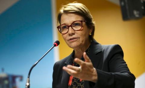 Ministra Tereza Cristina alerta para crise hídrica, mas garante abastecimento de alimentos