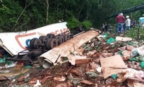 Acidente na RSC-472, trecho entre Tenente Portela e Palmitinho, na tarde de ontem