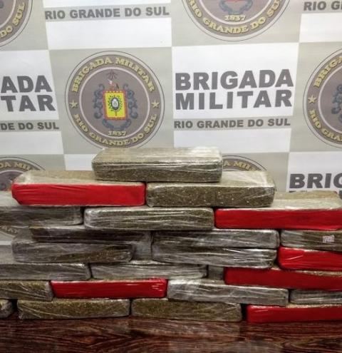 Brigada Militar apreende 15 kg de maconha em Coronel Bicaco
