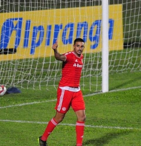 Inter atropela Aimoré com três de Galhardo e está nas semifinais do Gauchão